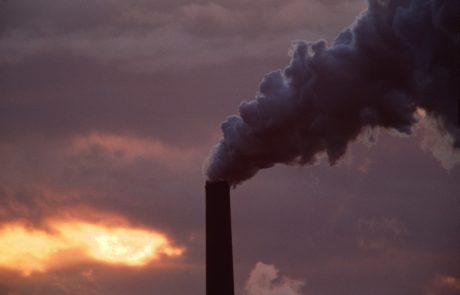 Študija: Izpusti ogljika letos upadli za rekordnih sedem odstotkov