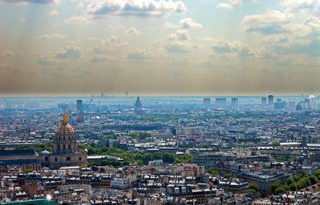 Zaradi čiščenja ostankov svinca v Parizu zaprli ulice okoli Notre-Dame