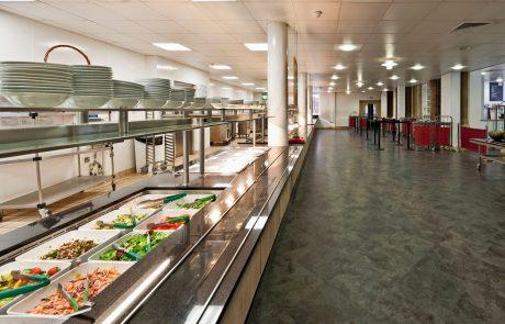 Računsko sodišče: Slovenske šole bi morale učinkoviteje ravnati z odpadno hrano
