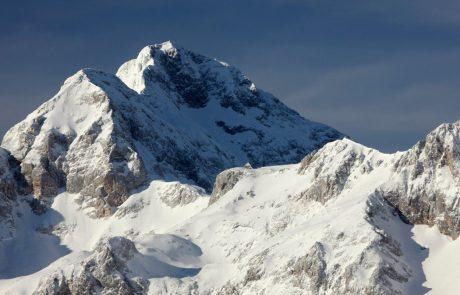 Kredarico prekriva 315 centimetrov snega, kar je največ v tej sezoni, hkrati pa tudi najkasneje v zgodovini meritev