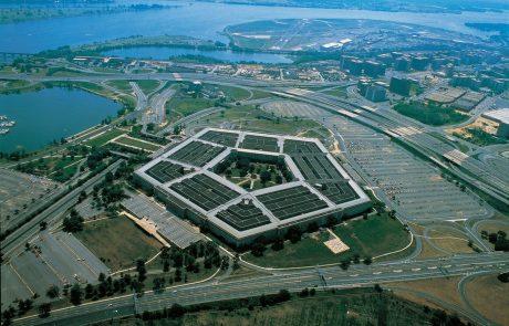 Pentagon objavil težko pričakovane dokumente o neznanih letečih predmetih