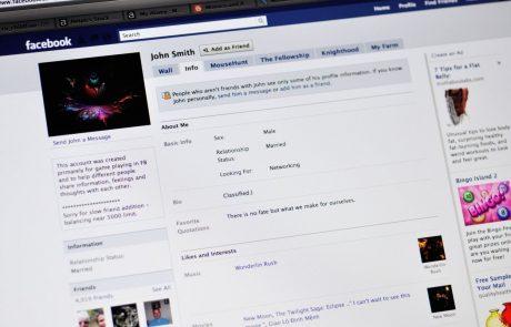 Facebook z novo storitvijo Facebook News