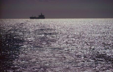 Iran zasegel tovorno ladjo in aretiral 16-člansko posadko