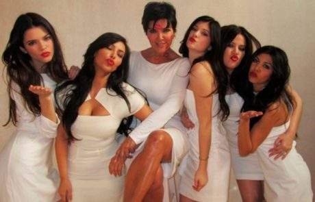 Mama slavnega klana Kardashianovih obtožena spolnega nadlegovanja
