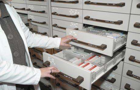 Lani več kot tisoč poročil o resnih neželenih stranskih učinkih zdravil, največkrat pri zdravilih za zdravljenje raka