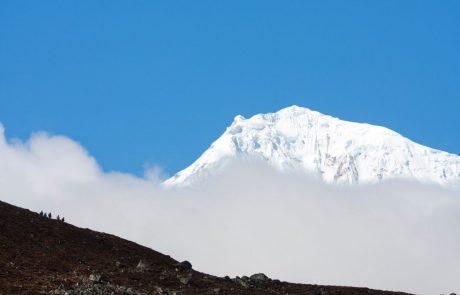 Mineva 40 let, odkar sta na Mount Everest stopila prva Slovenca
