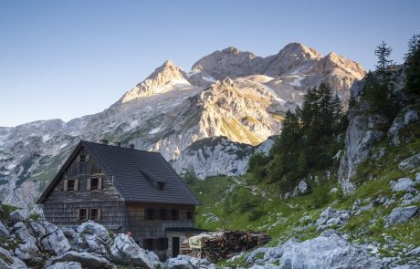 Planinska zveza poziva k možnosti koriščenja turističnih bonov v več delih, saj bi se s tem bistveno povečala možnost porabe bonov v planinskih kočah