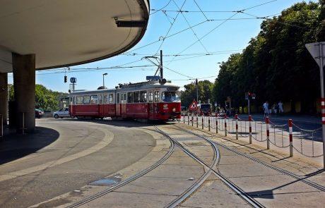 Dunajčani se bodo proti sezonski gripi lahko cepili kar na tramvaju
