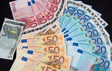 Državni proračun končal leto 2018 s pol milijarde evrov presežka