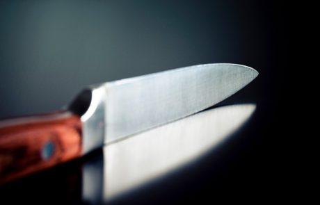 19-letnik v Šiški z dvema nožema v rokah grozil in ogrožal okolico