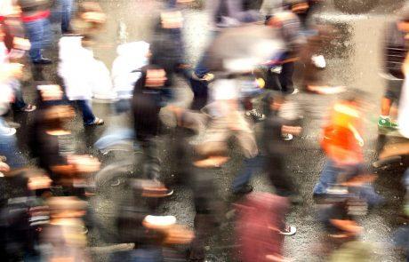 Več sto Koprčanov ljudi protestiralo proti zaprtju šol