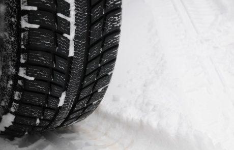 Policija poziva: Čim prej zamenjajte letne pnevmatike z zimskimi