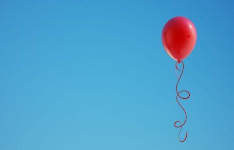 Pripravite robčke: Na balonu je našel pismo dečka, ki je bilo namenjeno njegovemu umrlemu očetu