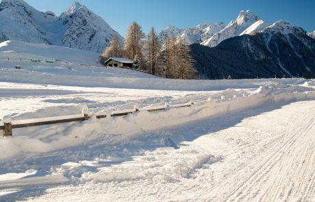 Ministrstvo za zunanje zadeve odsvetuje turizem v tujini med zimskimi počitnicami