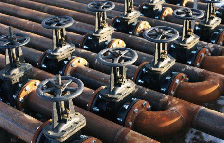 IEA: Zagotavljanje zadostnih količin nafte bo vse težje