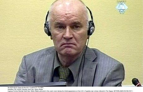 Haaško sodišče 22 let po koncu vojne v BiH s sodbo Mladiću: Tožilstvo zahteva dosmrtni zapor, obramba oprostitev