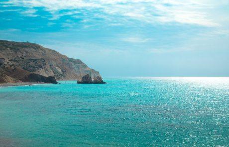 Oranžno opozorilo pred visokimi temperaturami: Na Cipru vročinski val z več kot 40 stopinjami Celzija