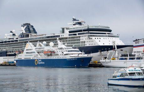 V Sloveniji je bilo junija več potnikov v pristaniškem in letalskem prometu kot junija lani