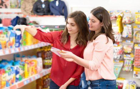 Zveza potrošnikov opozarja na zavajajoče privlačne trditve o prehranskih izdelkih