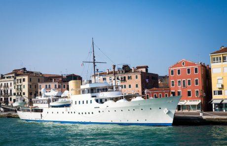 Velike križarke v Benetke ne bodo več imele vstopa