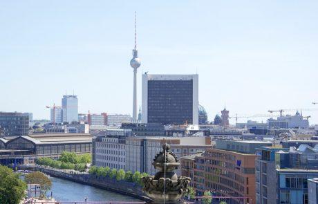 Novo berlinsko letališče Brandenburg naj bi z devetletno zamudo odprli oktobra 2020