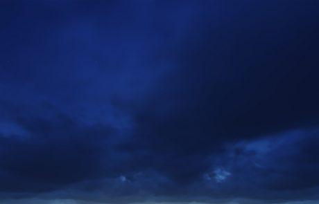 Vreme: Oblačnost se bo povečala, na Primorskem možne rahle padavine