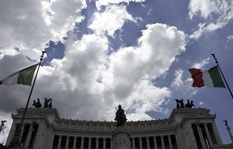 Razmere zaradi smeti v Rimu tako katastrofalne, da zdravniki svarijo, da bi lahko v mestu zavladala kriza javnega zdravja