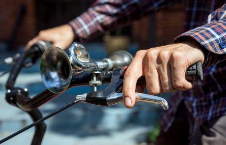 Belgijski minister se je na promocijo vožnje s kolesom pripeljal s kolesom, medtem pa so mu ga ukradli