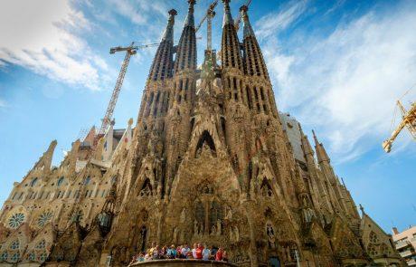 """""""To je opozorilo"""": Španija po požaru v Notre Dame napovedala varnostne preglede svojih znamenitosti"""