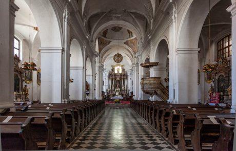 Ljubljansko višje sodišče duhovnika ni obsodilo zaradi spolnega napada