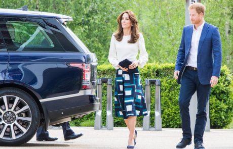 """""""Zlomila se je"""": Srečanje princa Harryja in Kate, o katerem so govorili vsi Britanci"""