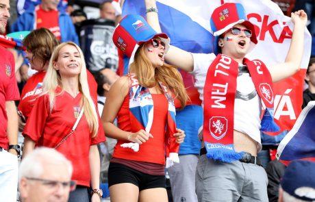 Osem gostiteljic evropskega prvenstva v nogometu potrdilo tekme pred navijači