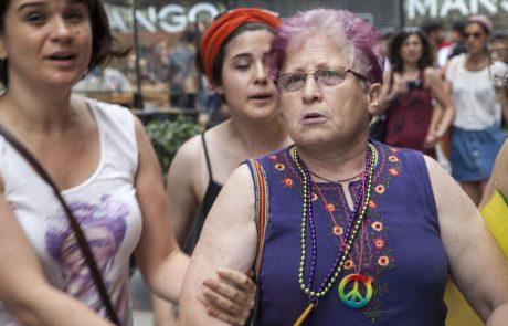 Guverner Istanbula prepovedal parado ponosa. Lani proti udeležencem uporabili solzivec in vodne topove