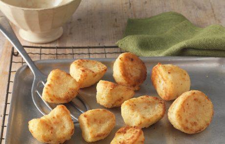 Preizkusite odličen recept za najbolj hrustljav in okusen pečen krompir
