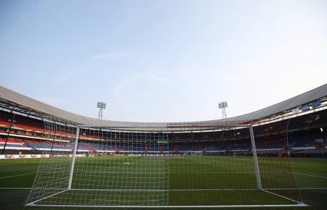 Nizozemci naredili zgodovinski premik v nogometu:  Prvič je sodnikom na igrišču pomagal tudi sodnik za TV ekranom