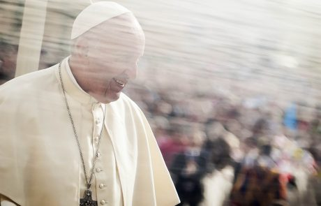 Papež Frančišek: Potovanja so zame kazen