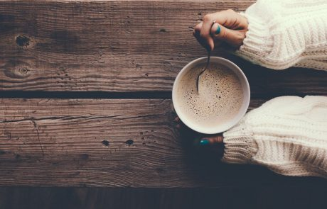 V jutranjo kavo dodajte to sestavino in ves dan boste polni energije