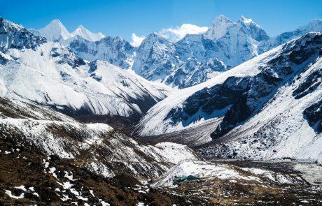 Pisala sta zgodovino: Pred 30 leti sta kot prvi zakonski par v zgodovini vrh najvišje gore sveta osvojila Marija in Andrej Štremfelj