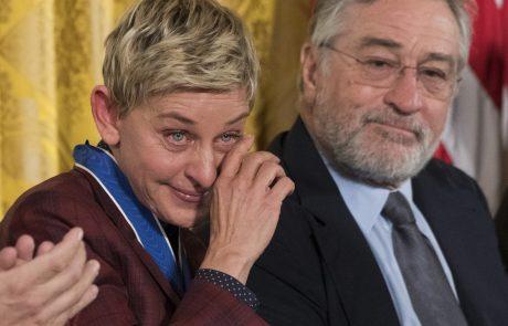 Ellen DeGeneres ni mogla zadržati solz, ko ji je Obama nadel medaljo svobode