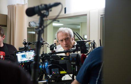 Hollywoodski veteran Clint Eastwood dopolnil 90 let