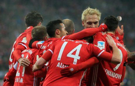 Nemško nogometno bundesligo je danes zasenčil incident navijačev Bayerna