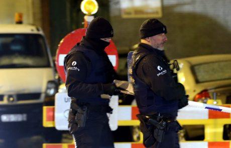 Belgijska policija je v nočni protiteroristični akciji v Bruslju aretirala štiri ljudi ter odkrila skrivališče orožja