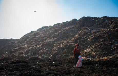 V Etiopiji plaz smeti pod sabo pokopal več deset ljudi