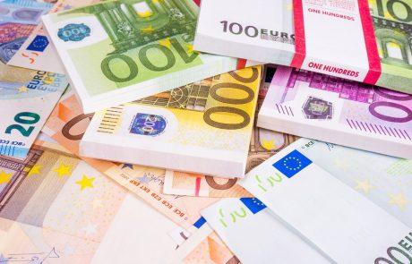 Državni proračun v sedmih mesecih pridelal 2,2 milijarde evrov primanjkljaja