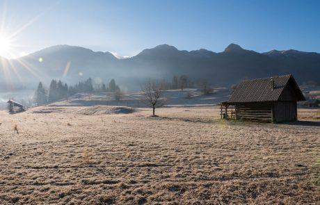 Izjemno nizke temperature terjale prvo smrtno žrtev tudi v Sloveniji