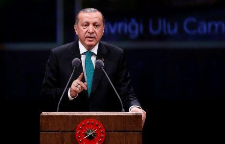 Erdogan Nizozemsko obtožil sodelovanja pri pokolu v Srebrenici
