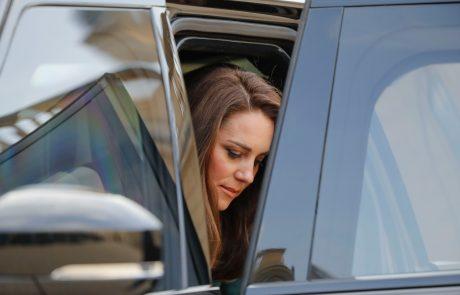 Kate Middleton starša našla na tleh v družinski kopalnici