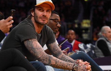 David Beckham preseneti: Spet se popolnoma pobril in pobarval na blond