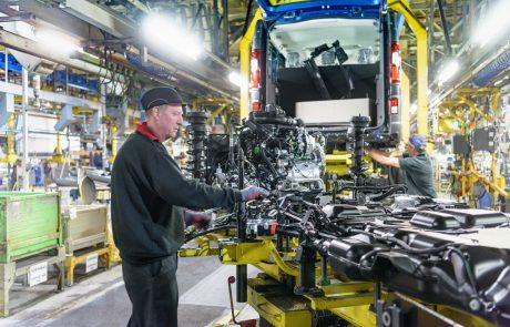 Javno življenje bo zaprto, proizvodnja v velikih podjetjih pa bo tekla dalje