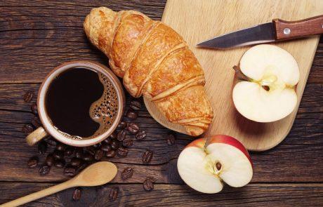 Zakaj bi morali dan začeti z jabolkom in ne s kavo